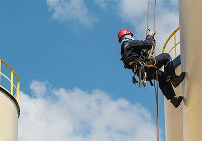 SkyPeople - Rope access specialist proces en petrochemie